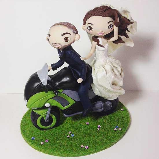 Cake topper matrimonio personalizzati con sposi e moto