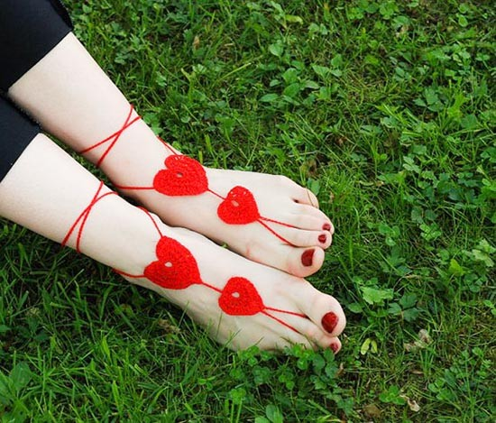 Accessori piedi spiaggia per matrimonio con cuore uncinetto