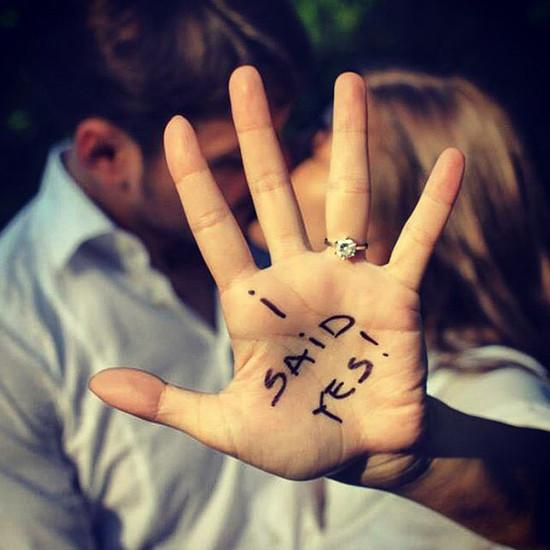 Save the date foto mano anello