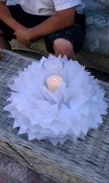 Centrotavola matrimonio con pom pom e candela