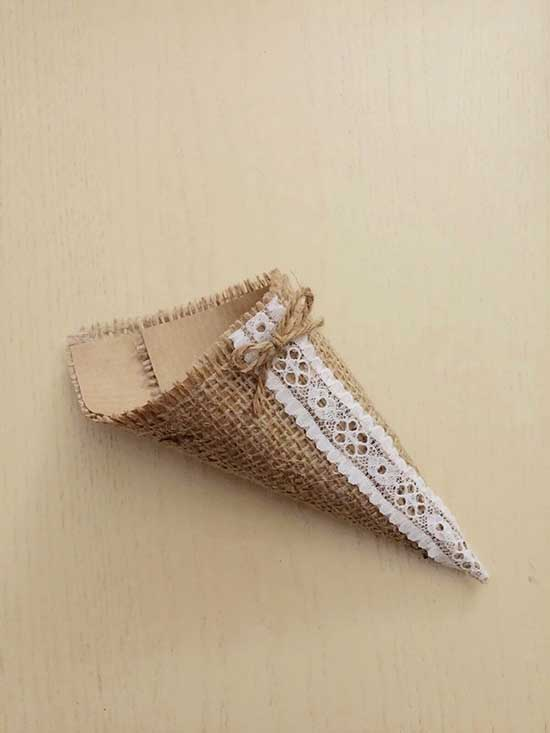 Cono portariso in juta per matrimonio country chic