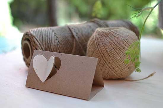 Segnaposto per matrimonio con cartoncino e cuore