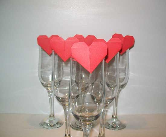 Segnaposto per matrimonio con origami a forma di cuore