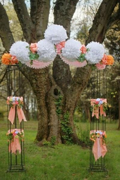 Arco di fiori matrimonio pom pom carta