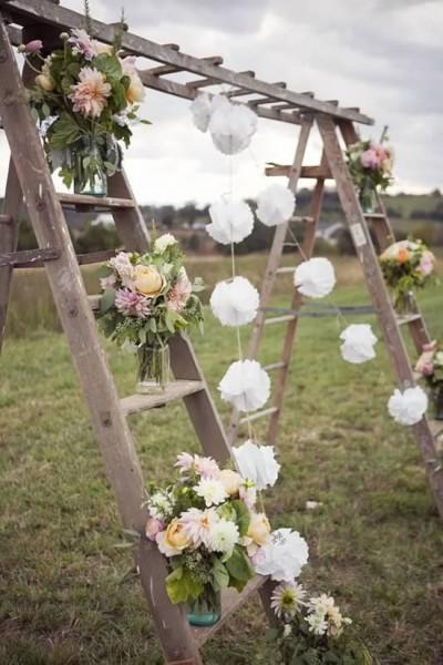 Arco di fiori matrimonio scala