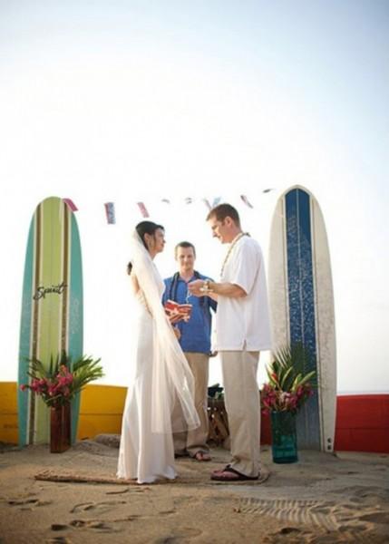 Arco di fiori matrimonio mare tavole surf