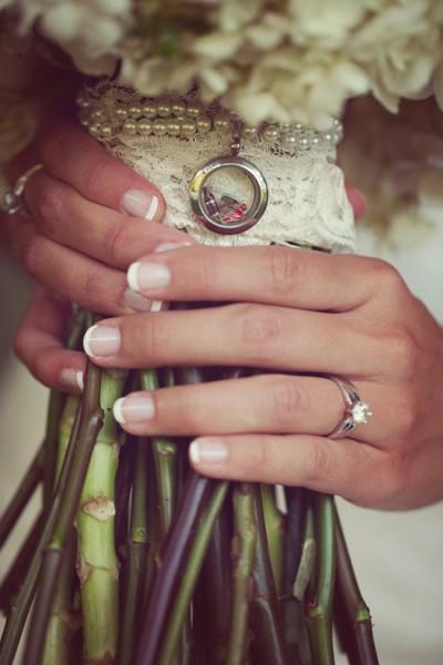 Bouquet sposa dettaglio ciondoli