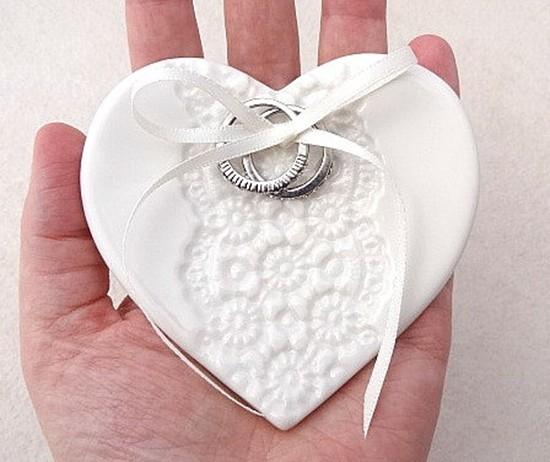 Cuscino portafedi piattino cuore