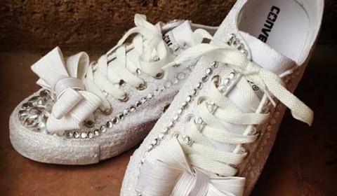 Scarpe da sposa converse bianche con fiocco
