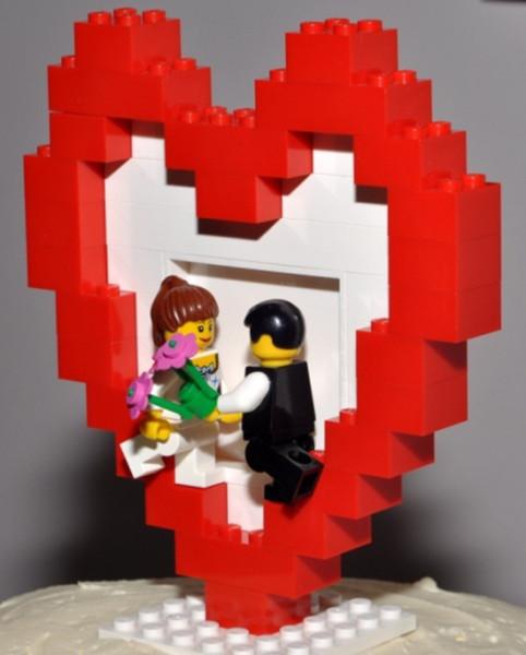 Lego cake topper cuore