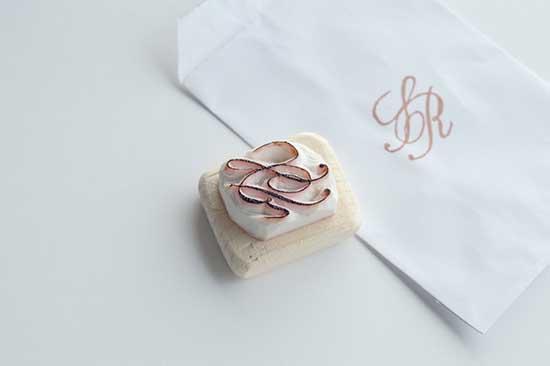 Timbro personalizzato matrimonio con iniziali sposi monogramma