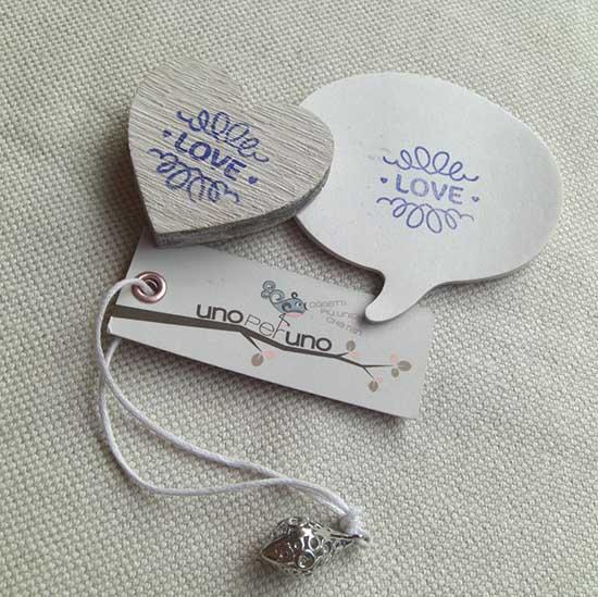 Timbro con scritta LOVE