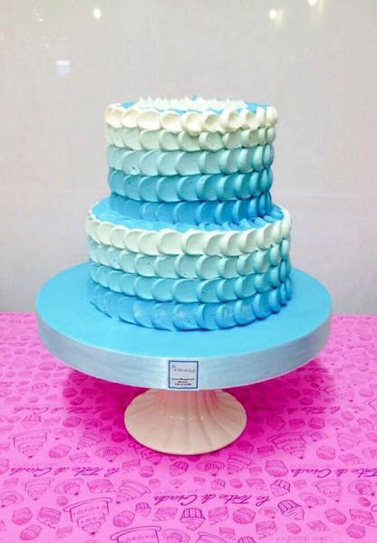Torta matrimonio ombre azzurra petal cake