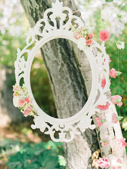 cornice photo booth matrimonio con fiori