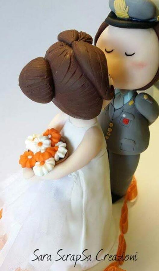 sposini torta nuziale personalizzati bacio