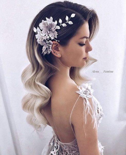 acconciatura sposa capelli lunghi fermaglio