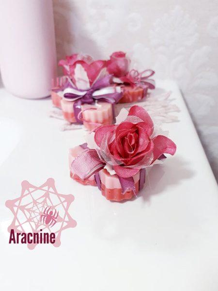 candele segnaposto matrimonio a forma di cuore e con fiori