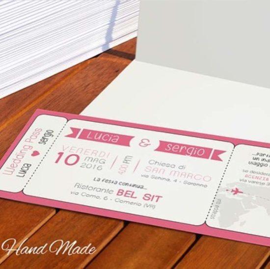 partecipazione matrimonio a forma di biglietto aereo rosa